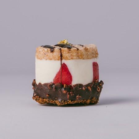 【樂樂甜點】◭免運費◭草莓脆皮提拉米蘇 (9入/盒) 1盒